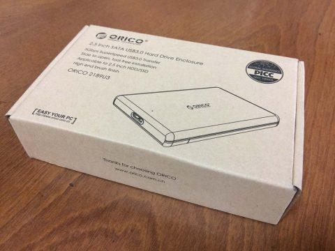 ORICO 2.5インチ HDD ケース 外箱です