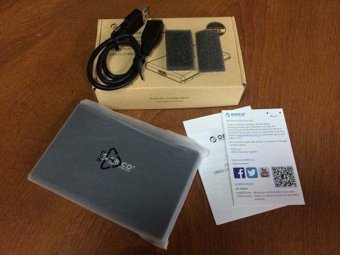 ORICO 2.5インチ HDD ケース 同梱物です