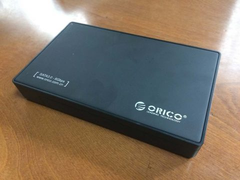 ORICO 3.5インチ HDD ケース 本体です