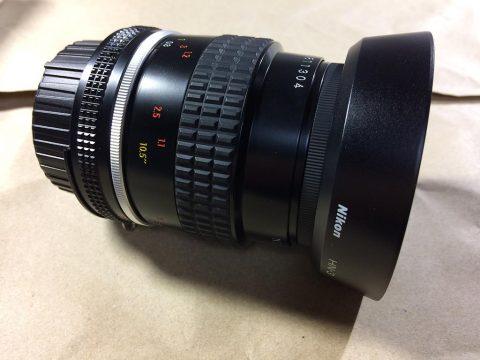 Nikon Micro-Nikkor 55mm f/2.8 フードを装着です。